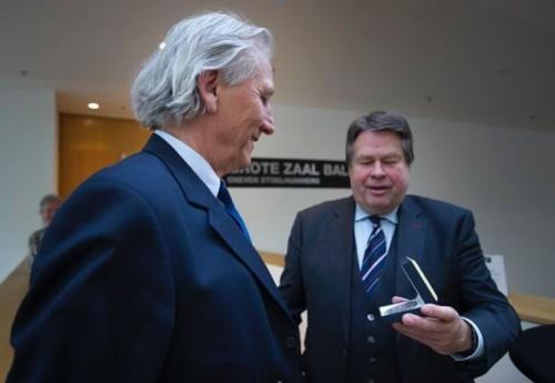 Eric van der Bilt krijgt Drentse Erepenning